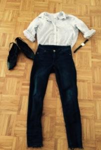 Jeans et chemise H&M, ballerines Oxitaly, montre Softech