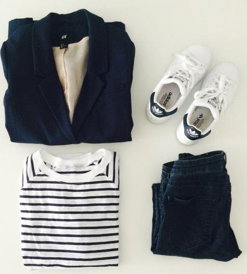 Jeans et blazer H&M, marinière Zara, baskets Adidas