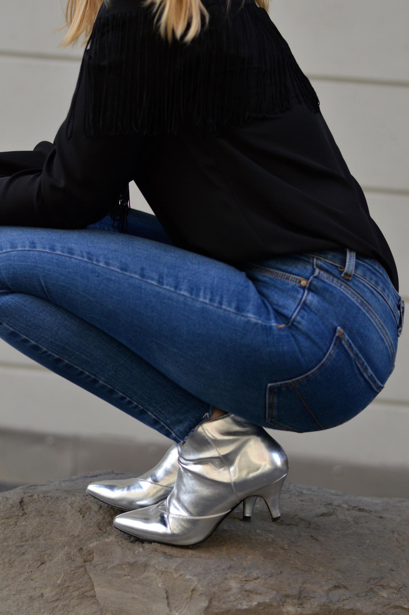 chicandswiss-bottines argent-chemise franges 24