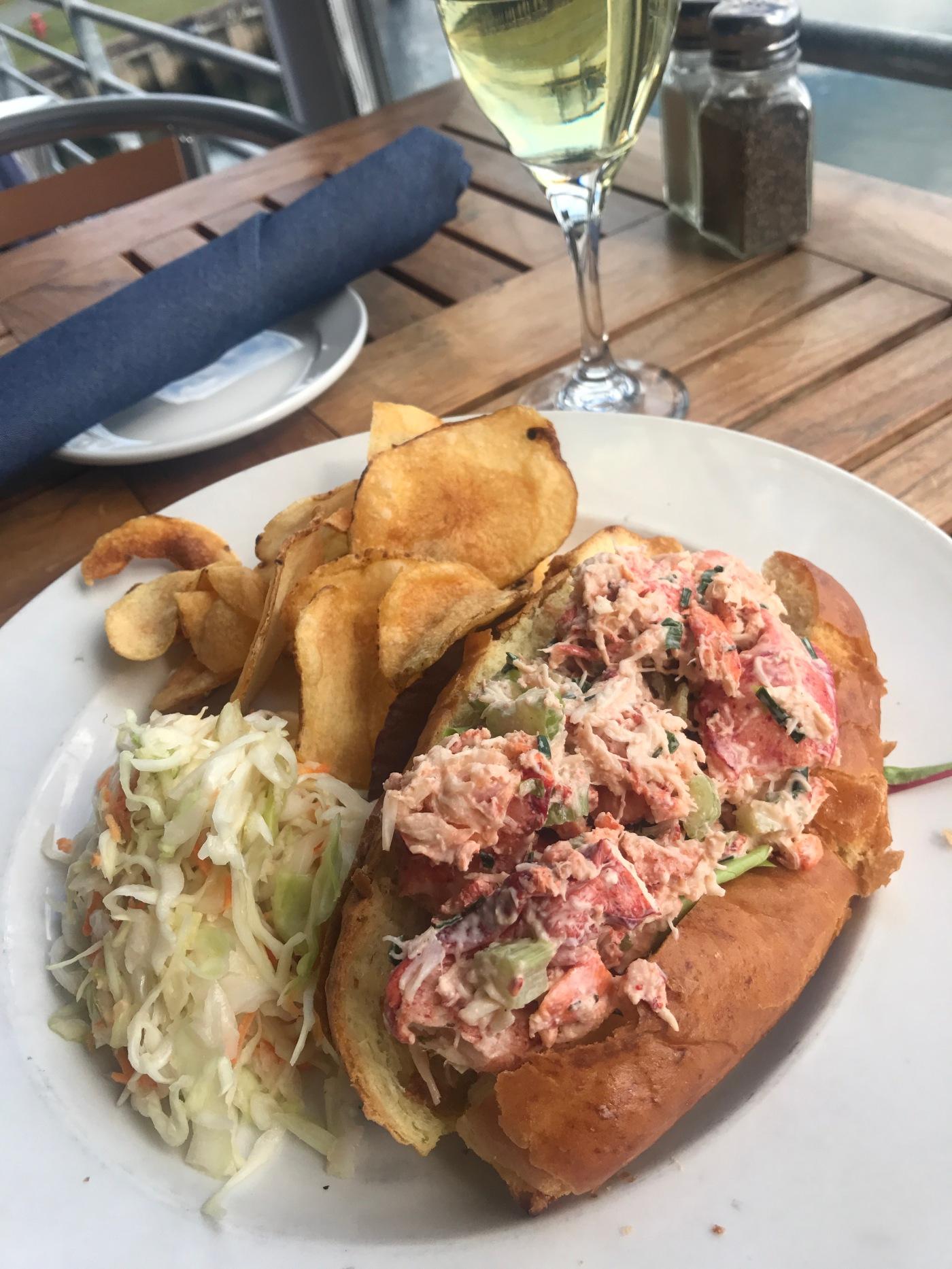 lobster-roll-salem