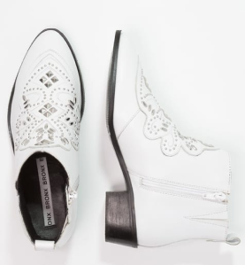 Bronx-shoes-white-boots-chicandswiss-zalando