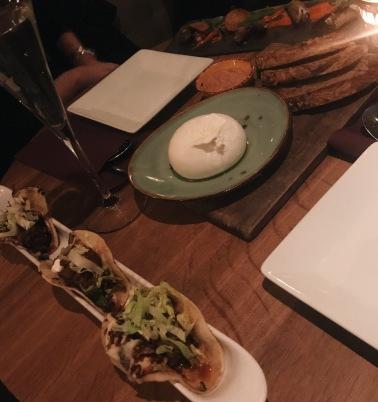 eat-me-lausanne-burrata-tacos