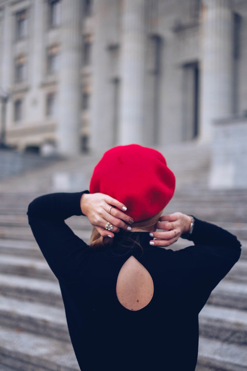 beret-rouge-jupe-cuissardes-chicandswiss 9