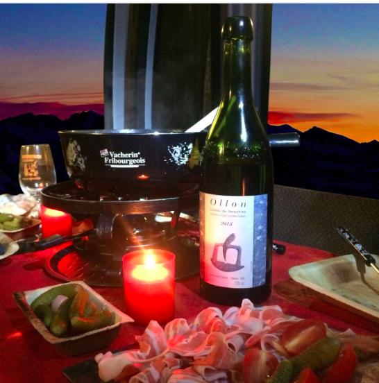 fondue-telecabines-verbier-in-the-sky-crans-montana-villars-ollon-chicandswiss.png