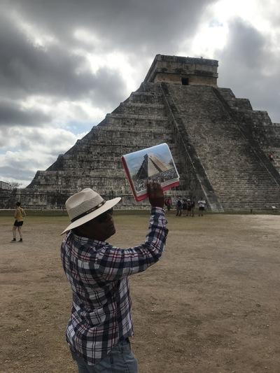chichen-itza-copines-de-voyage-maya-maillot-chicandswiss