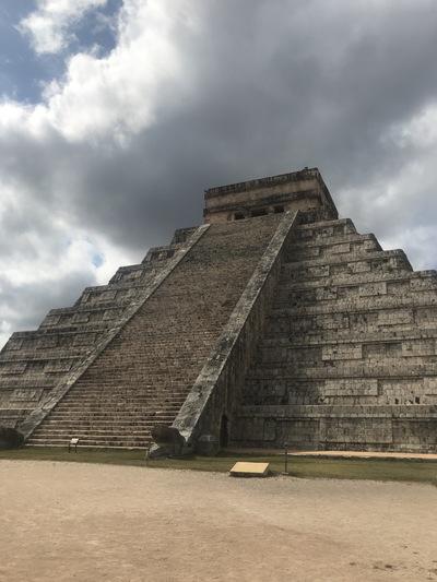 chichen-itza-copines-de-voyage-maya-maillot-chicandswiss2