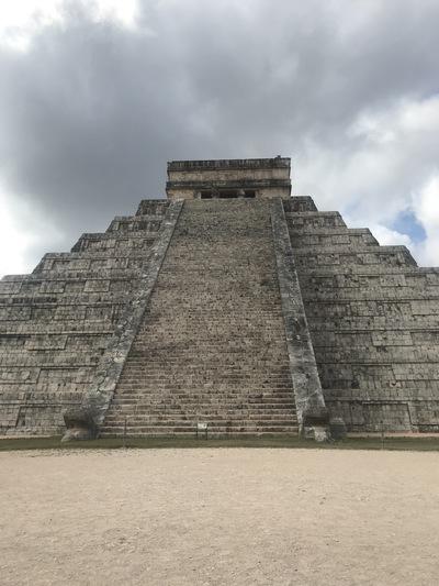 chichen-itza-copines-de-voyage-maya-maillot-chicandswiss3