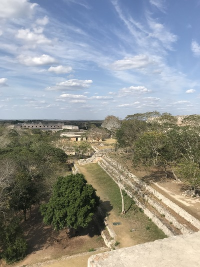 uxmal-pyramide-temple-chicandswiss11