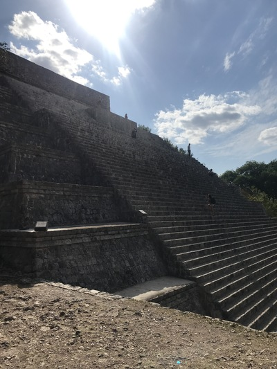 uxmal-pyramide-temple-chicandswiss9